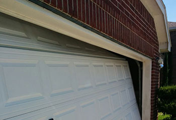 Garage Door Off Track | Garage Door Repair Merrick, NY